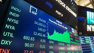 US Equities Mixed Amid Political Turmoil